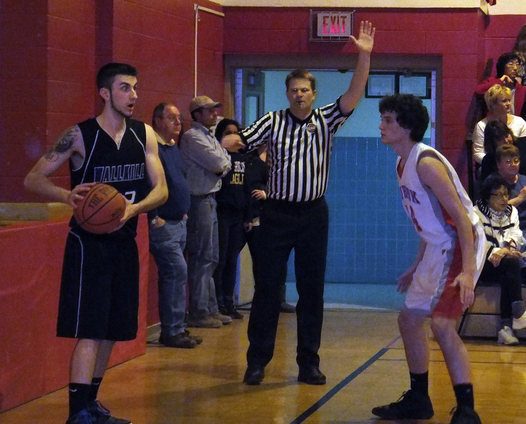 Wallkill player looks for an open teammate