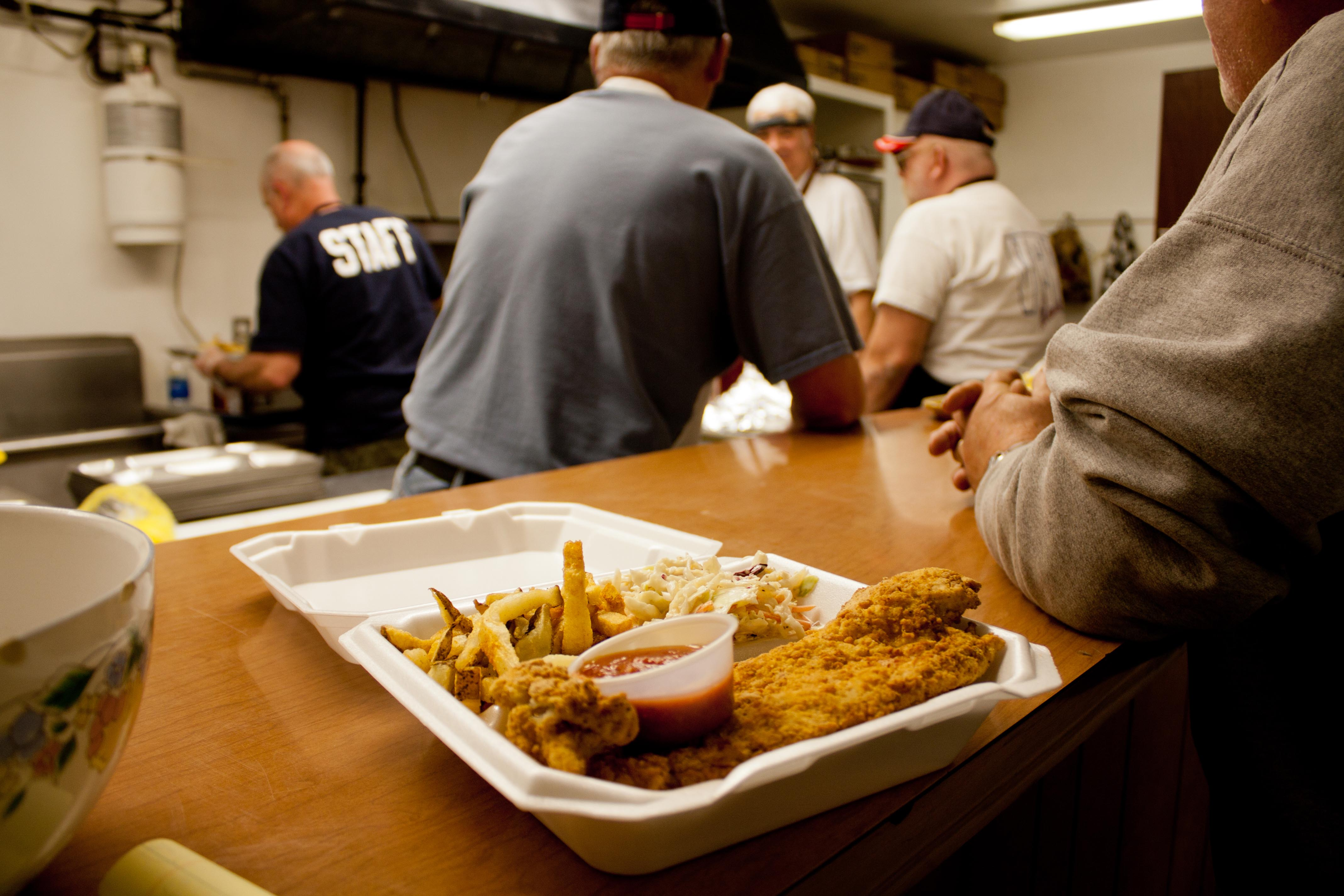 Vfw raises funds for memorial park observer newspapers for Vfw fish fry