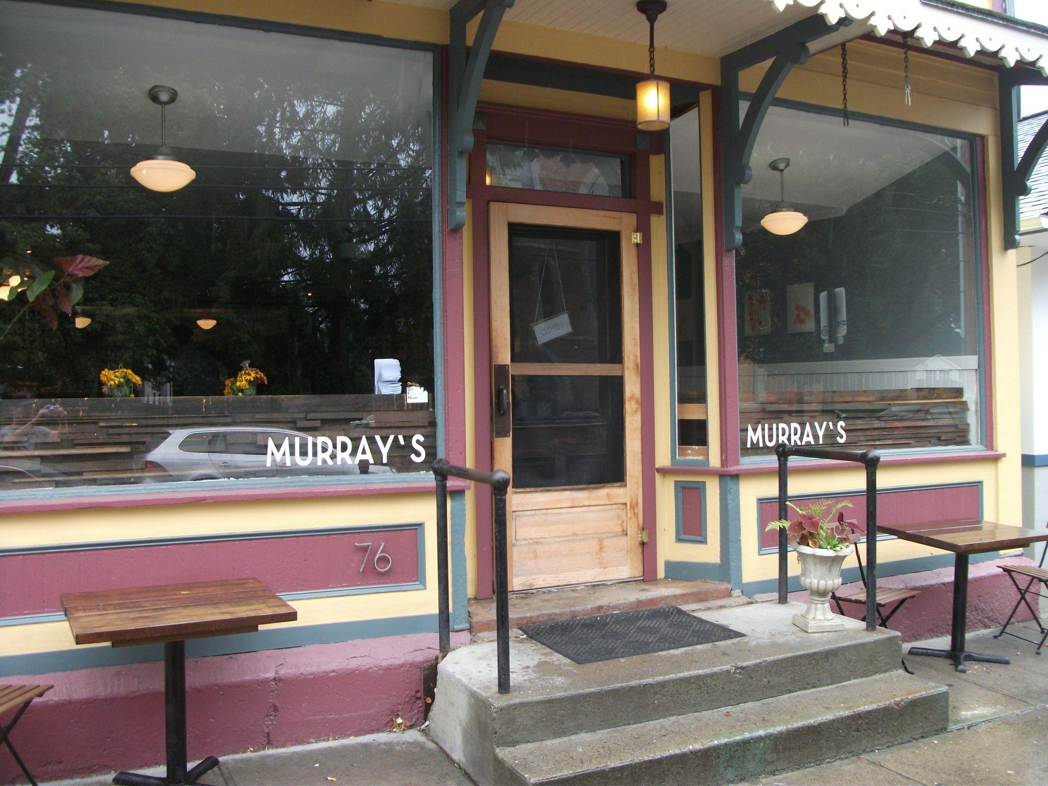 Murray's - Exterior