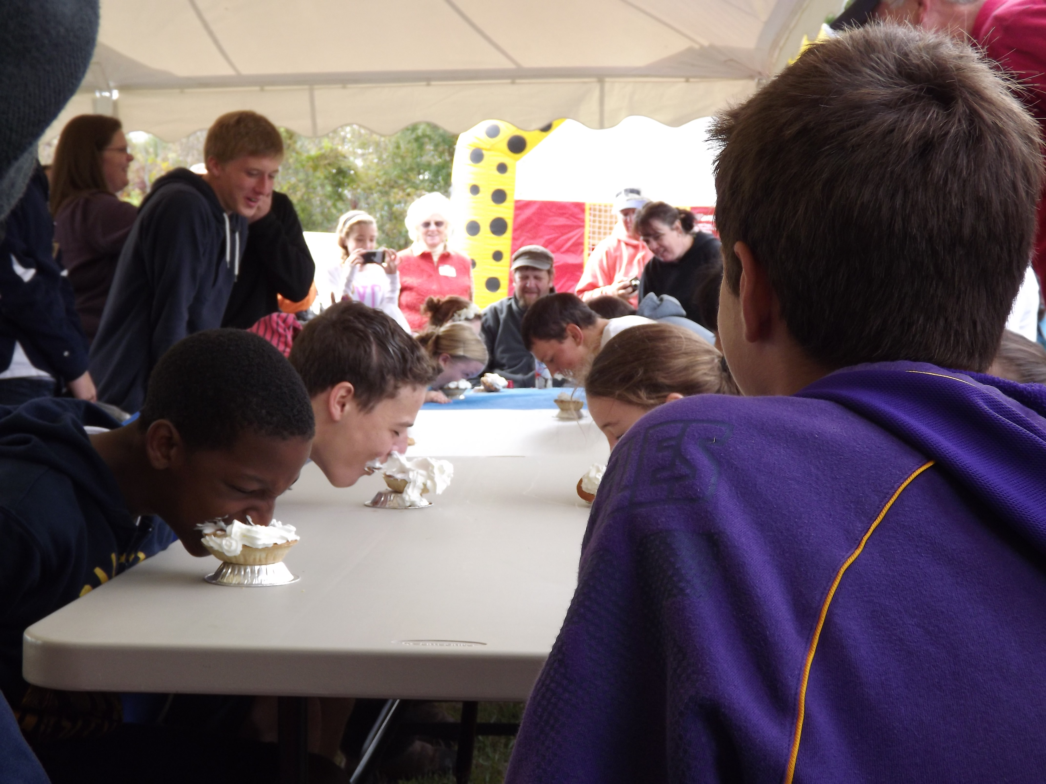 Milan Community Day - Pie-eating Contest